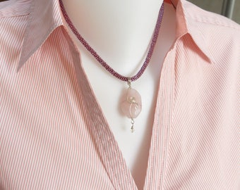 40 cm, short beaded necklace with rose quartz pendant, silver clasp