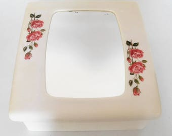 Bathroom Cabinet / pharmacy vintage, decorated with pink. Made in France 1970