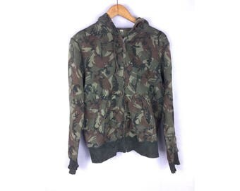 UNIQLO Camouflage Army Long Sleeve Hoodies Medium Size Hoodies Fully Zipper