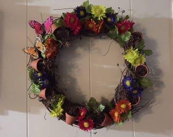 Flower pot daisy wreath