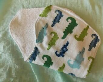 Burp cloth boy / alligators/ baby boy / baby gift / baby accessories burp cloth set / boy burp cloth