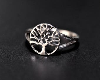 Sterling Silver Ring with a Celtic Tree of Life