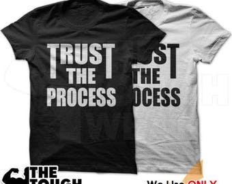 TRUST THE PROCESS C464 - Men's Shirt Workout Gym Tees WeightLifting BodyBuilding Fitness