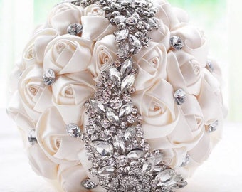 Crystal brooch wedding bouquet