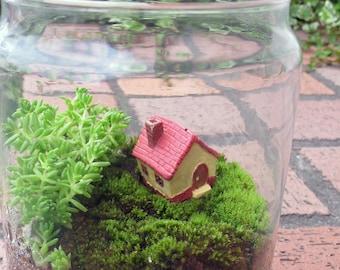 Miniature House  Handmade Terrarium Ornaments