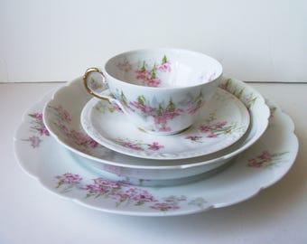 One Vintage Limoges porcelain set of 4 plates/cup. France (#EV126)