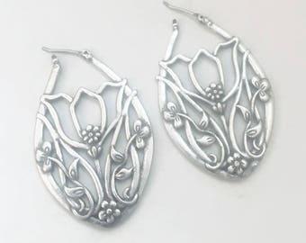 Vintage Oval Silver Tone Floral Lattice Loop Earrings