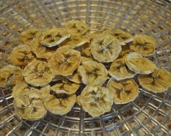 Healthy dehydrated banana chips snacks for small animals
