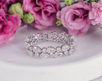 Diva Crystal Cut Bridal Wedding Bracelet