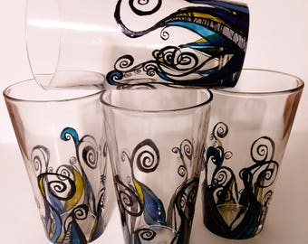 "Vibrant ""zentangle"" water glasses"