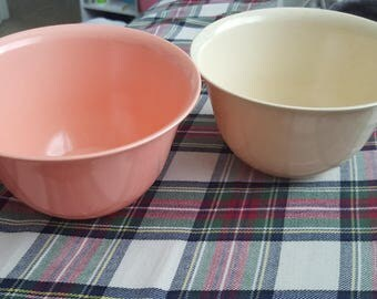 Vintage Duraware Melmac Bowls - Pastel/Peach/Cream/Retro/Dishware/Canada/Piece number 90/Set/Dishware/Dining/Retro/1960s/Kitchen/Small