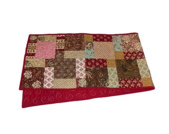 Disappearing Nine Patch Table Runner