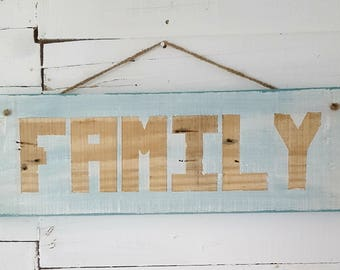 Wooden Family sign, pallet wood sign, home decor, wooden sign, family plaque, wooden plaque, rustic sign