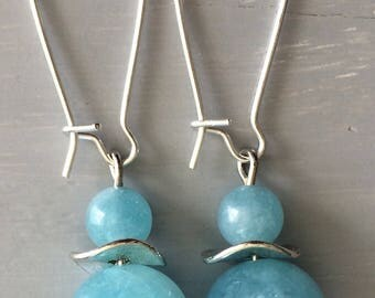Hoop earrings with aquamarine bead