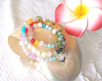Triple woman in semi precious stones bracelet style Mala