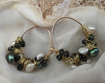 Goldfilled earrings with freshwater pearls and glass beads nr 22