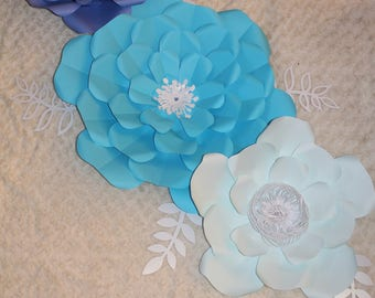 Set of 3 paper flowers with 6 free leaves