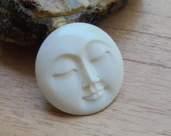 35 mm Moon Face Pendant, Single Face Bead, Bali Bone Carving P345