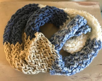Crocheted Chunk Loop Scarf (Mixed Color)