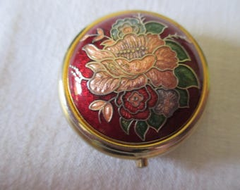 Vintage CLOISONNE GOLD Tone & Red FLORAL FLower Pill Trinket Box Snap Closure Pretty! 1.5 Inches