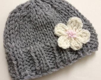 Hand knitted newborn baby hat - 0-3 months