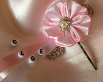 Barrette with flower to customize the name and initial beads