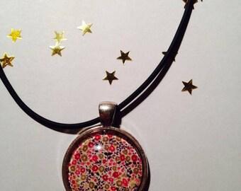 "Rubber pendant 25 mm ""Liberty"" Choker necklace"