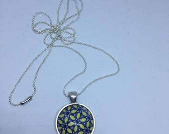 "Pendant and necklace mesh ball ""Yellow and blue Mandala"" cabochon"