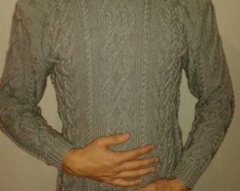 Irish men gray sweater size M