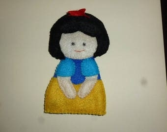 Snow White felt finger puppet
