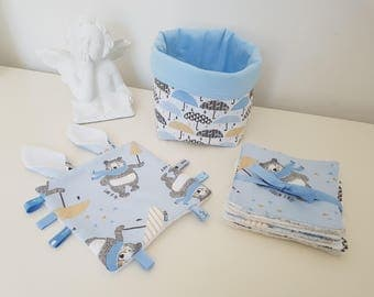 set for baby, 1 fabric basket, 7 wipes and a matching little flat plush