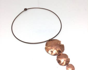 Choker necklace with hammered copper pendant