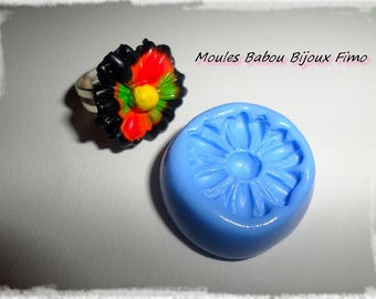 Mold for polymer clay to make a pretty Daisy 2cm