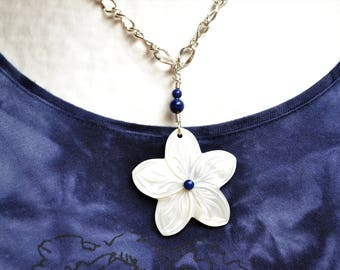 Silver plated necklace mother of Pearl flower and lapis lazuli beads / stone of communication and confidence / carved mother of Pearl
