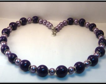 Necklace beads purple and purple glass beads.