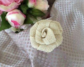 Flower 6 cm ivory burlap