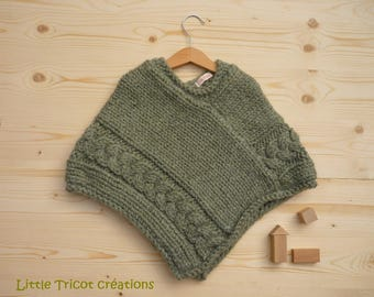 Green poncho (4t) for girl, hand-made of wool and alpaca
