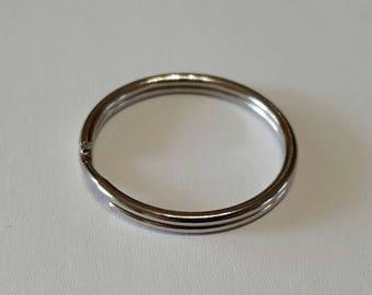 Round 25mm key ring