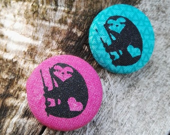 """Textile button """"Sloth love"""" in different colors"""
