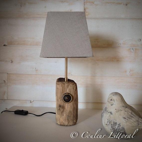 Lampe poser avec pied en bois flott for Creer sa lampe en bois flotte