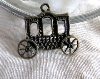 Carriage pendant x 1 metal bronze 26 x 32 mm