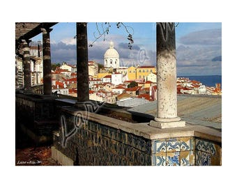 Photo 30X40cm with a view of Lisbon in Portugal the tops