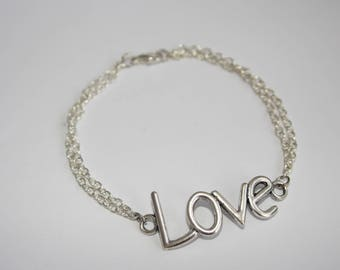 Love bracelet in silver plated chain