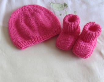 """Set hat and booties """"birth"""" pink"""