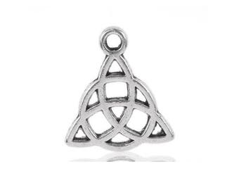 5 charm triangle knot Celtic 15x17mm