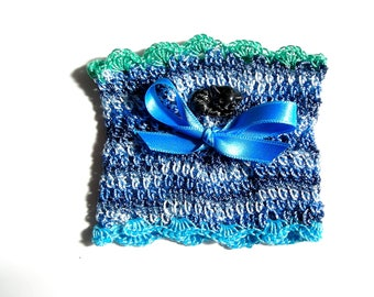 Cuff Bracelet crocheted in cotton in shades of blue and green with pretty handmade cabochon