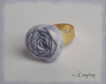 Romantic shaped earthenware, ring blue old rose