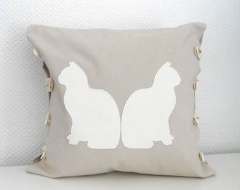 CATS 40 X 40 cm Cushion cover - Beige and white