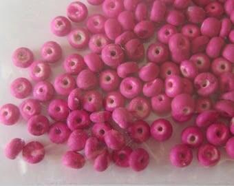 coco beads sachet natural fuchsia color