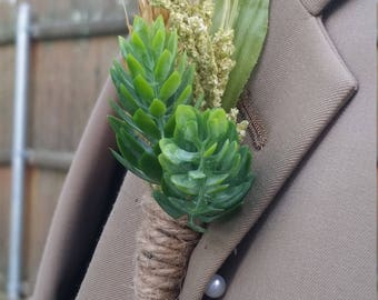Rustic  boutonniere with Hop Detail